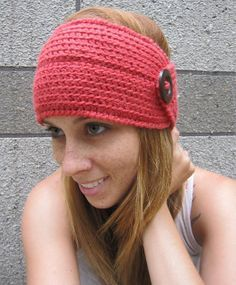 Excellent Free Crochet headband with button Suggestions ear warmer Crochet Headband Pattern, Knitted Headband, Crochet Beanie, Knit Or Crochet, Crochet Scarves, Easy Crochet Patterns, Free Crochet, Knitted Hats, Crochet Headbands