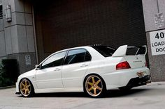 Clean Evo or What do you think about this latest pin? Mitsubishi Motors, Japanese Sports Cars, Japanese Cars, Tuner Cars, Jdm Cars, Subaru, Street Racing Cars, Evo 9, Mitsubishi Lancer Evolution