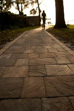 Stonehurst is the paver of choice for projects requiring a vintage, natural slate texture. Paver Walkway, Brick Pavers, Hardscape Design, Backyard, Patio, Tampa Florida, Pathways, Garden Paths, Water Features