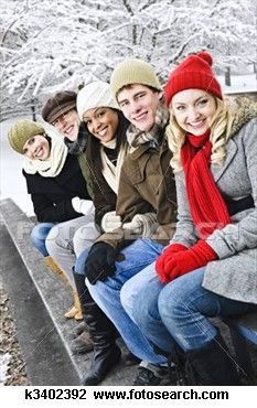Group of friends outside in winter view large photo image extended family pictures, winter family Casual Family Photos, Extended Family Pictures, Winter Family Pictures, Large Family Photos, Family Picture Poses, Family Photo Sessions, Winter Pictures, Family Posing, Family Portraits