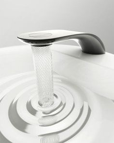 2014 IF Concept Design Award winning design transforms faucet water flow into beautiful intricate lattice and swirl patterns / Grifo! Water Patterns, Water Faucet, Yanko Design, Home Technology, Intelligent Design, Water Conservation, Water Flow, Water Tap, Water Swirl