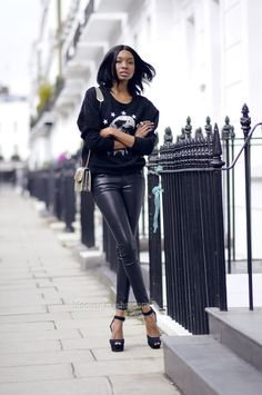 the-streetstyle:  Head-To-Toe-Blackviabisousnatasha
