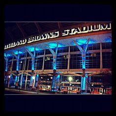 THE CLEVELAND BROWNS LIGHT IT UP BLUE