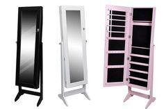Une armoire à bijoux avec miroir intégré en commande sur Groupon, mieux que mon bazar en boîtes..