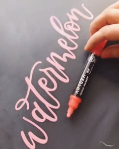 Chalk is the New Pink - Ursula Schömann - Chalk is the New Pink What's on your creativity this summer? These fun and vibrant Arteza Liquid are a great place to start. Chalk Typography, Hand Lettering Alphabet, Chalkboard Lettering, Typography Design, Calligraphy Drawing, Calligraphy Handwriting, Learn Calligraphy, Watercolor Lettering, Penmanship