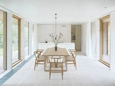 30 Most Popular Minimalist Dining Room Designs Trend 2019 Dining Room Table Centerpieces, Centerpiece Ideas, Dining Table, Minimalist Dining Room, Interior Minimalista, Dining Room Design, Dining Rooms, Home Living Room, Interior Design