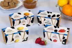 Iogurts naturals La Torre, elaborats amb la llet pròpia de la granja.