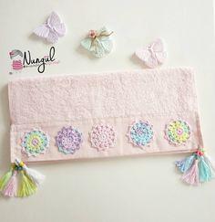 Fotoğraf açıklaması yok. Crochet Towel, Crochet Lace Edging, Crochet Borders, Crochet Doilies, Knit Crochet, Crochet Patterns, Cushion Inspiration, Ramadan Crafts, Diy Cushion