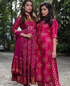 Someone sought for: shrugs for dresses! Finthousands of hand made, old-fashioned, and diverse goods. Party Wear Indian Dresses, Party Wear Kurtis, Indian Gowns Dresses, Dress Indian Style, Indian Wedding Outfits, Indian Outfits, Silk Kurti Designs, Kurta Designs Women, Kurti Designs Party Wear