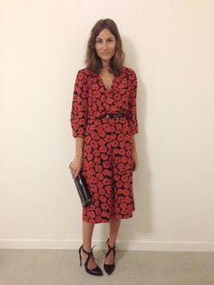Giorgia Tordini wearing vintage dress and Oscar Tiye shoes and clutch. Milan, June 2013.