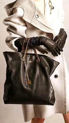 Gorgeous Handbag With Gloves And White Coat