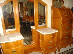 Lexington Victorian Sampler Collection Vanity Tri View