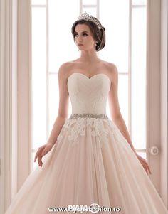 O rochie speciala pentru o zi speciala!