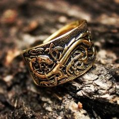 livingpaganism: Cannot wait until I hold this piece of art in my hands. An ukrainian artist made this bronze ring depicting a dragon and celtic knotwork. I'm in awe!