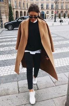 Lorna Luxe Sportswear all black camel coat white gymnastics . - Lorna Luxe Sportswear ganz schwarzen Kamelmantel weiße Turnschuhe Lorna Luxe Sportswear all black - Winter Fashion Outfits, Fall Winter Outfits, Look Fashion, Womens Fashion, Fashion Trends, Fall Fashion, Nordic Fashion, Short Women Fashion, Fashion Weeks
