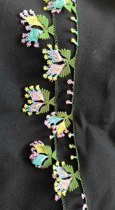 This Pin was discovered by HUZ Needle Lace, Bobbin Lace, Needle And Thread, Crochet Flowers, Crochet Lace, Crochet Unique, Lace Art, Drawn Thread, Point Lace