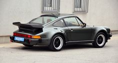 Porsche 911 Turbo 3.3: The sleeping cyclone
