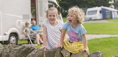 Study links camping to happy, healthy children