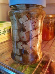 """* Tanja kann Gedanken lesen: ich suche seit Ewigkeiten ein Rezept für """"Feta"""" und just zeigt sie ihre Art der Zubereitung - TOLL! :)  (http://7-bergen.blogspot.de/2014/09/vegan-wednesday_10.html?m=1)"""