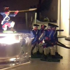 Enemy in sight by the candle light .  #gift #freedelivery #spain #italy #tinsoldiers #figurine #independenceday #infantry #packaging #america #usa #musket #bayonet #gun #tinsoldiers #1812 #1776 #revolution #remembrance #thefallen #georgewashington #colonial #collection #collectible