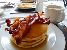 Classic Pancakes with Bacon & Maple Syrup