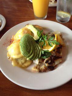 Eggs benedict, avocado & seasoned potatoes @ The Kettle, Manhattan Beach