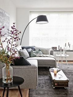 I like quizzes. This one is about what colour would be great for your home. Living Room White, My Living Room, Living Room Interior, Home And Living, Living Room Decor, Living Spaces, Apartment Makeover, Living Comedor, Family Room Decorating