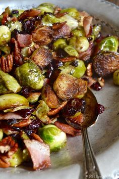 Cast Iron Brussels Sprouts with Bacon, Pecan and Cranberry - Ciao Chow Bambina Balsamic Brussel Sprouts, Sprouts With Bacon, Brussels Sprouts, Iron Skillet Recipes, Cast Iron Recipes, Camping Meals, Camping Dishes, Camping Recipes, Family Camping