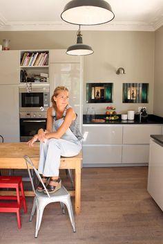 Anne-Sophie, Suresnes - Inside Closet