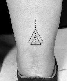 Cute Tiny Tattoos, Dainty Tattoos, Small Tattoos For Guys, Symbolic Tattoos, Geometric Triangle Tattoo, Triangle Tattoos, Line Tattoos, Body Art Tattoos, Tatoos