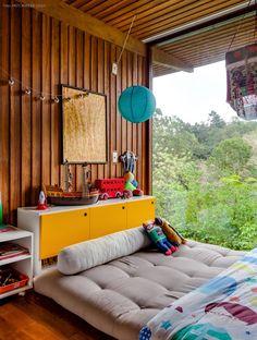 Capaz de trazer aconchego a qualquer ambiente, o futon é uma peça descomplicada, versátil e que se adapta a diversos estilos de decoração.
