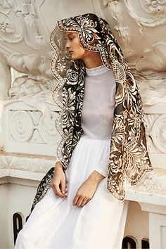 Mantilla is a lace or silk scarf worn by women over the hair and shoulders, especially in Spain. Catholic Veil, Mantilla Veil, Chapel Veil, Up Girl, Looks Cool, Mannequins, Editorial Fashion, High Fashion, Fashion Photography