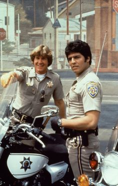movie and tv shows Chips TV Show Larry Wilcox, Childhood Tv Shows, My Childhood Memories, 80 Tv Shows, Movies And Tv Shows, Arnold Et Willy, Top Des Series, Tv Vintage, Mejores Series Tv