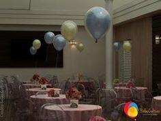 Arranjo de mesa com balões duplos com balões perolizados. Créditos: balões: Balão Cultura (www.balaocultura....) Decoração: Rachel Gomes (instagram.com/...)#qualatex #balaocultura #balãocultura #arranjodemesa #rachelmgomes#decoracaojardim #festainfantil #encontrandoideias