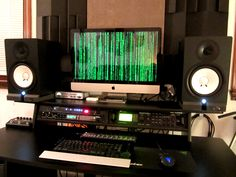 Yamaha HS80M Nearfield Studio Monitors Yah, ya set 'em up wrong there, buddy...