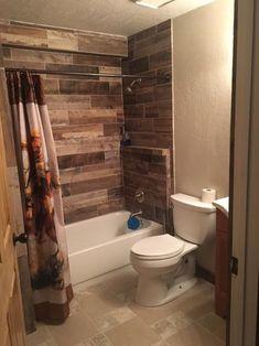 📌 74 Great Bathroom Decor Ideas Looks Very Elegant 38 Rustic Bathroom Designs, Rustic Bathrooms, Modern Bathroom, Small Bathroom, Bathroom Tub Shower, Bathroom Renos, Bathroom Wall Decor, Bathtub Tile, Remodel Bathroom