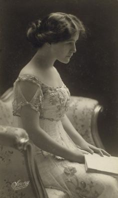 vintagephoto: Miss Alberton