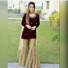 Haute spot for Indian Outfits. Party Wear Indian Dresses, Pakistani Fashion Party Wear, Pakistani Formal Dresses, Designer Party Wear Dresses, Dress Indian Style, Pakistani Dress Design, Indian Designer Outfits, Pakistani Outfits, Indian Outfits