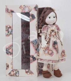 Boneca Di Vó: Bonecas em caixas personalizadas são ótimas opções...