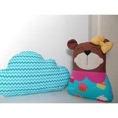 #mulpix Já chegaram as ursinhas em tecido nas lojinhas! 💟  www.artesbydani.iluria.com  www.elo7.com.br/artesbydani  Na foto, sugestão de uso: Ursinha Nina + Almofada nuvem chevron azul turquesa   #artesbydani  #ursinha  #naninha  #decor  #decoracao  #azulturquesa  #rosachoque  #azulerosa  #rosaeazul  #euquero  #almofada  #bebe  #baby  #maedemenina  #princesa  #mamae  #gravidinha  #decoracaocriativa  #decoracaocolorida