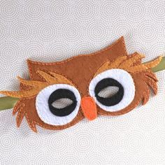 This super sweet felt owl mask costs just a few dollars to make and is a lot of fun for imaginative dress up play!