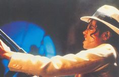 Michael Jackson in the set of Smooth Criminal Short film. (Launch for the Bad Album Michael Jackson Bad, Michael Jackson Smooth Criminal, Sean Lennon, King Of The World, We Are The World, Mj Music, Mj Bad, Bad Album, Victoria