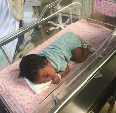 Awwww so beautiful I can't wait til my baby comes still got a while to go Cute Mixed Babies, Cute Black Babies, Beautiful Black Babies, Cute Little Baby, Pretty Baby, Cute Baby Girl, Little Babies, Cute Babies, Baby Kids