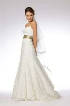 This is my dream dress WToo by Watters. Delphine. Love this dress. All lace, scalloped edges, sweetheart neckline.