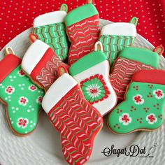 A cookie decorating diary. How to decorate sugar cookies with royal icing. - A cookie decorating diary. How to decorate sugar cookies with royal icing. What I've done wrong - Christmas Stocking Cookies, Christmas Sugar Cookies, Christmas Baking, Kids Christmas, Christmas Stockings, Christmas Trees, Super Cookies, Iced Cookies, Cupcakes