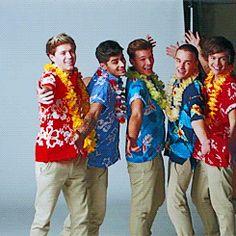 Kiss You gif Weak Knees, Kiss You, One Direction, My Boys