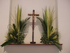 Trendy Flowers Arrangements For Church Altar Palm Sunday Alter Flowers, Church Flowers, Funeral Flowers, Deco Floral, Arte Floral, Easter Flower Arrangements, Floral Arrangements, Ikebana, Church Altar Decorations