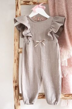 Jumpsuit | ellmini Little Girl Outfits, Little Dresses, Kids Outfits, Baby Girl Jumpsuit, Baby Dress, Sewing Kids Clothes, Baby Sewing Projects, Baby Patterns, Kind Mode