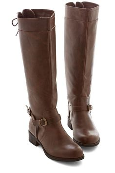 The 24 Most Perfect Flat Boots For Fall #refinery29 http://www.refinery29.com/comfortable-flat-boots#slide19 The Riding Boot
