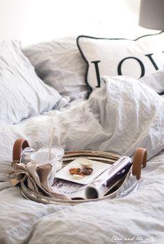 Aamupala sänkyyn. #etuovisisustus #makuuhuone